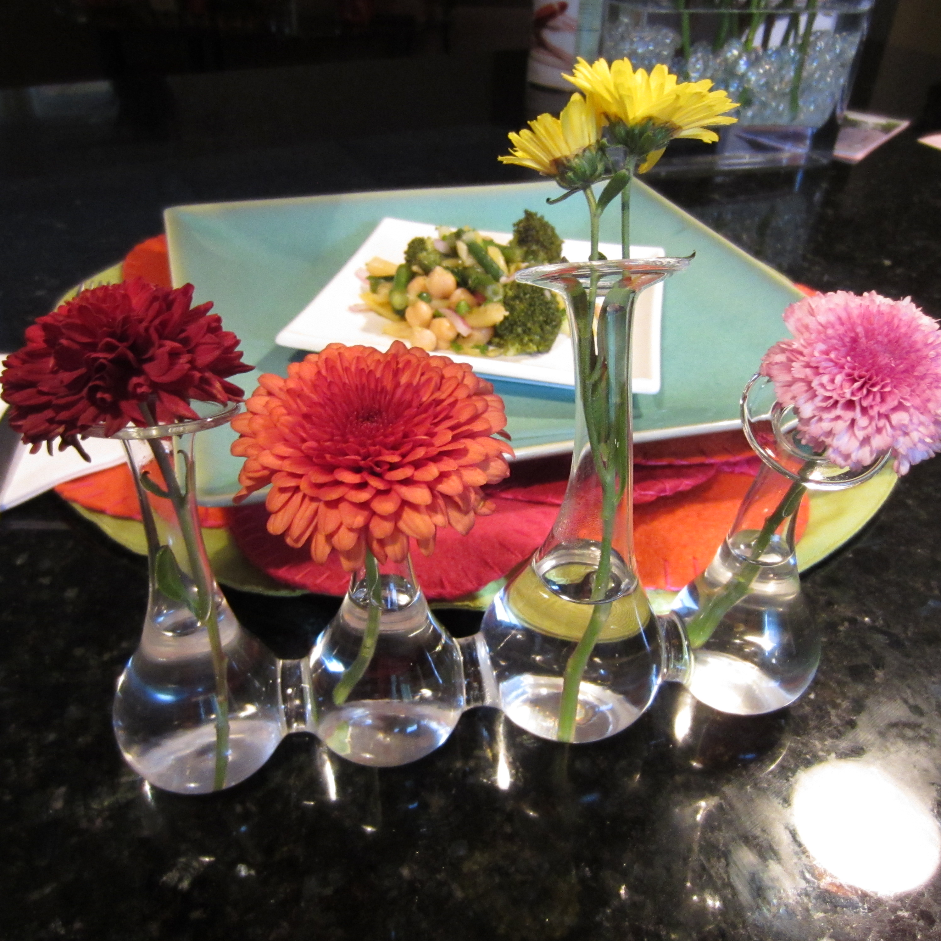 Single Flower Table Setting Arrangement : flowers for table settings - Pezcame.Com