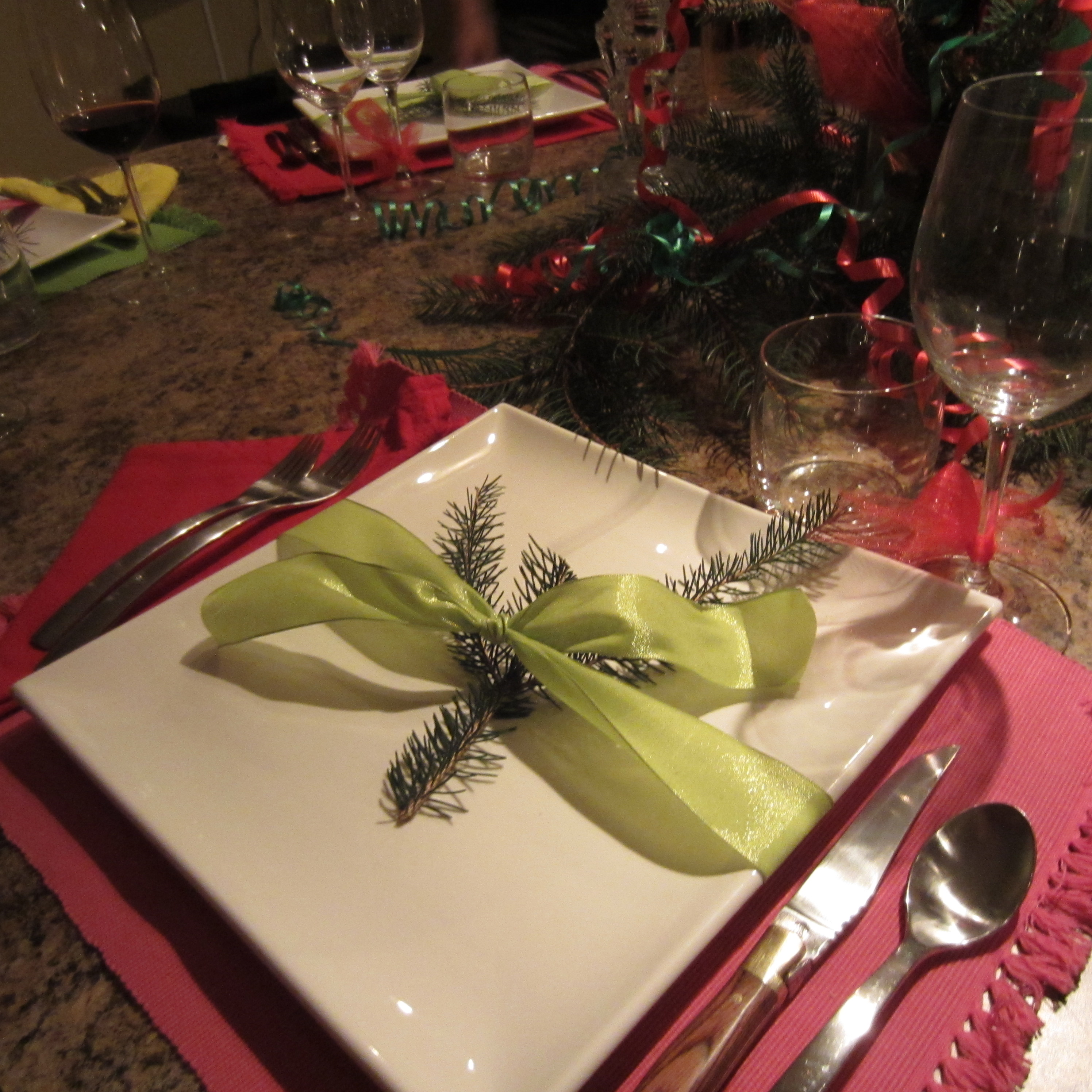 Holiday Place Settings: Simple Holiday Place Settings (Christmas)