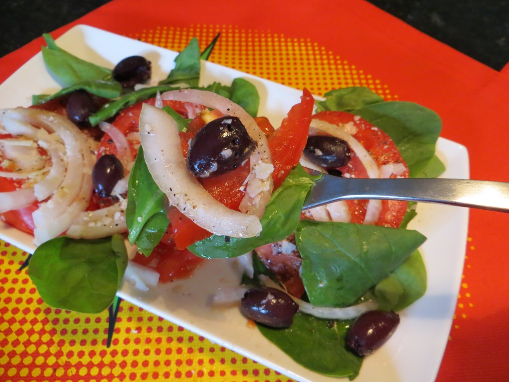 Summer Salad: Sliced Tomatoes & Onion on a bed of Spinach Leaves