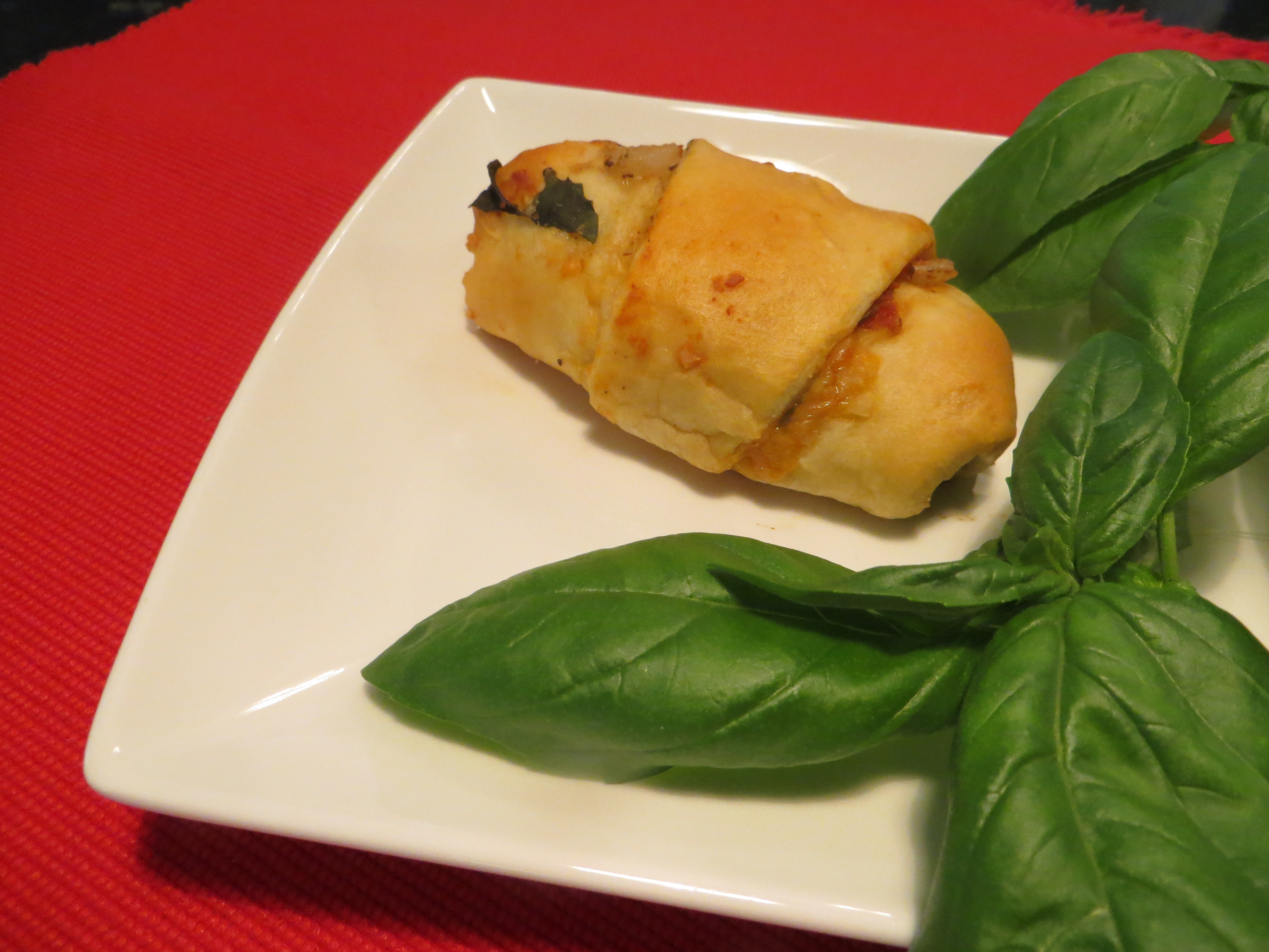 Easy to Make Finger Foods http://www.blimpygirl.com/all-recipes/stuffed-basil-tenderloin-croissant-appetizer